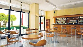 Bar de l'hôtel Le Royal à Nice