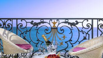 Chambre rénovée vue mer à l'hôtel Le Royal à Nice