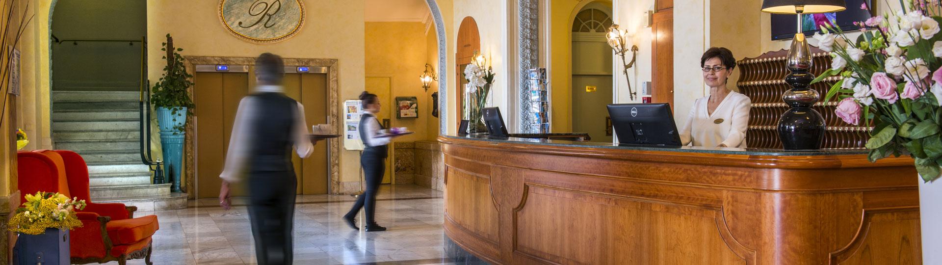 Réception ouvert 24/24 et 7j/7j de l'hôtel Le Royal***