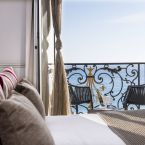 Chambre vue sur mer de l'hôtel Le Royal à Nice