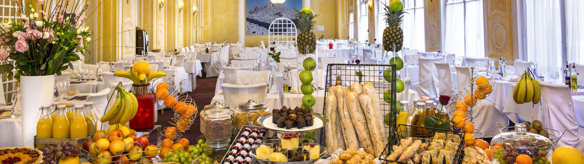 Buffet du restaurant de l'hôtel Le Royal à Nice