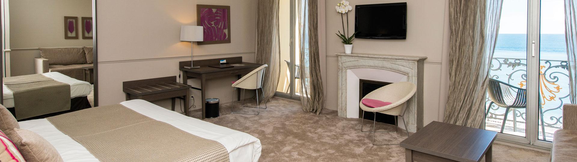 Chambre executive vue mer de l'hôtel Le Royal à Nice