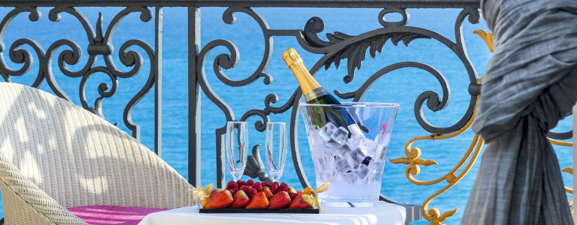 Chambre exécutive vue mer - Hôtel*** Le Royal à Nice