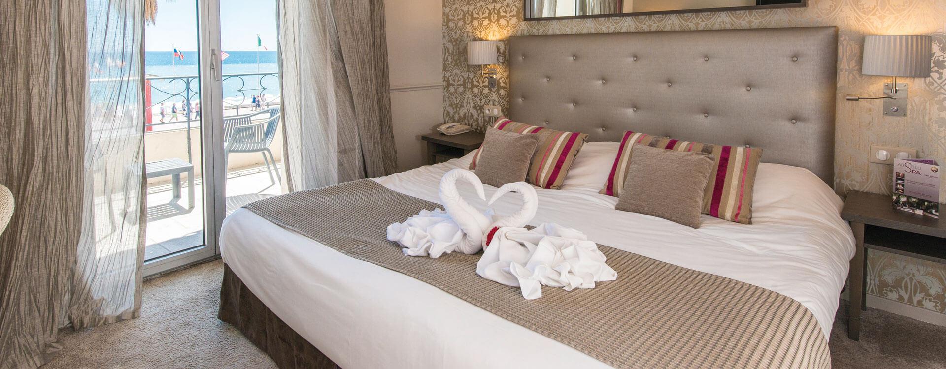Chambre twin - Hôtel*** Le Royal à Nice