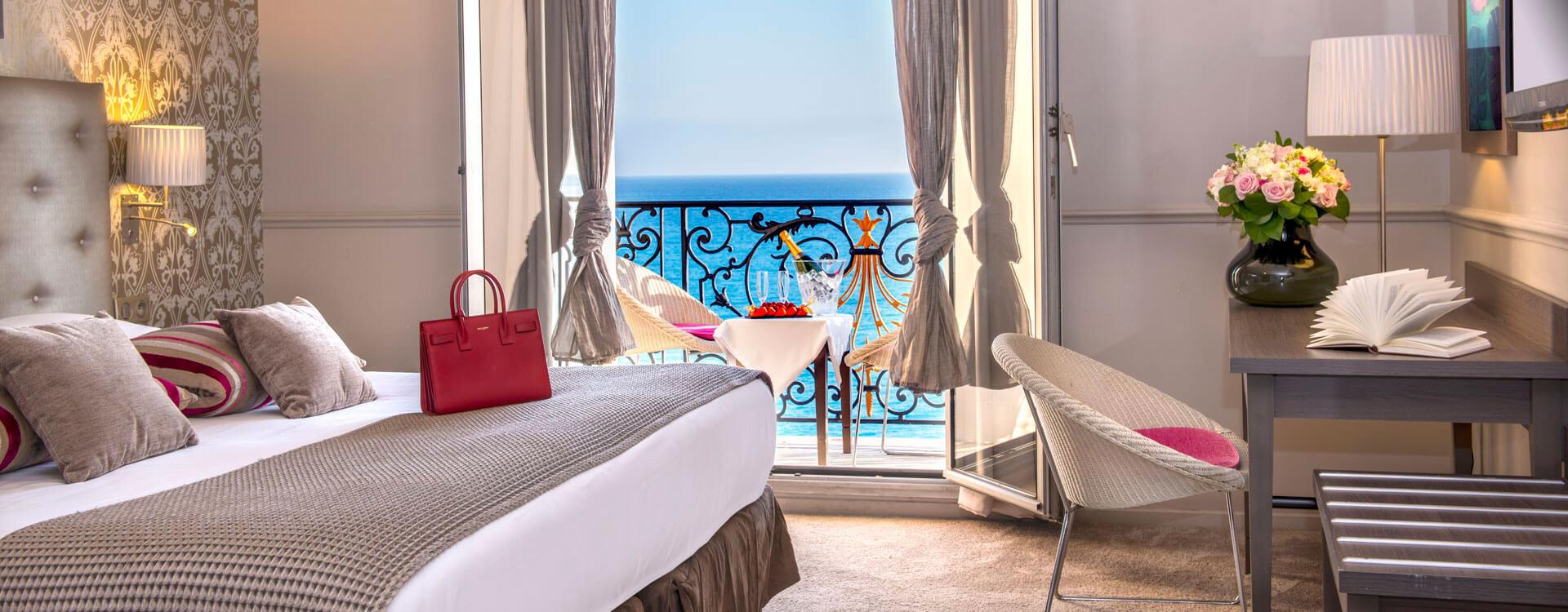 Chambre - Hôtel*** Le Royal à Nice