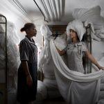 Rencontre des femmes de chambres de l'hôtel Le Royal Nice photographiées par Aurore Valade